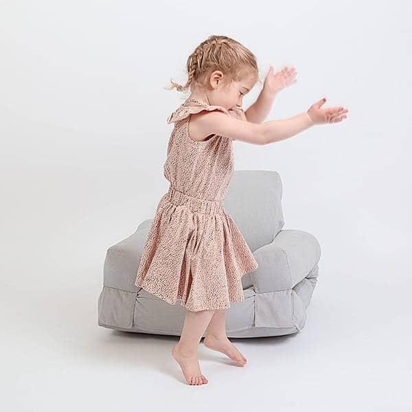 LITTLE HIPPO, un fauteuil hyper malin qui se transforme en lit futon en quelques secondes - déco et design