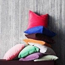 MILAN cushions (45 x 45 cm) or SWING cushions (60 x 60 cm) indoor or outdoor, an exceptional choice of fabrics and colors - deco and design, SOFTLINE