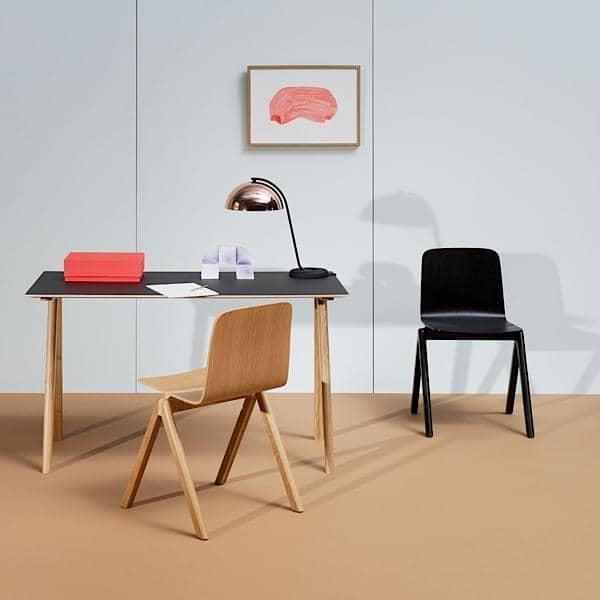 La scrivania CPH90 COPENHAGUE, realizzata in legno massello and ...