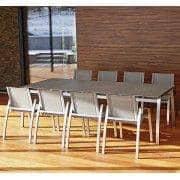 Spisebord, ALCEDO FORNIX F2 av TODUS, tidløse, robuste, rene linjer, med eller uten forlengelse: Perfekt til bruk på terrassen eller i stuen din
