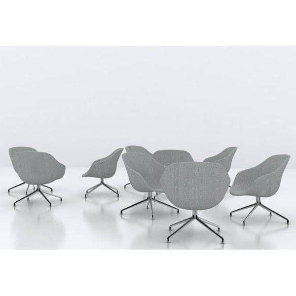 Le fauteuil About a Lounge Chair - réf. AAL81 - dossier bas, piètement aluminium poli ou laqué noir ou blanc, un grand choix de coloris, coussin d'assise amovible supplémentaire en option - confort nordique et personnalisation maximum