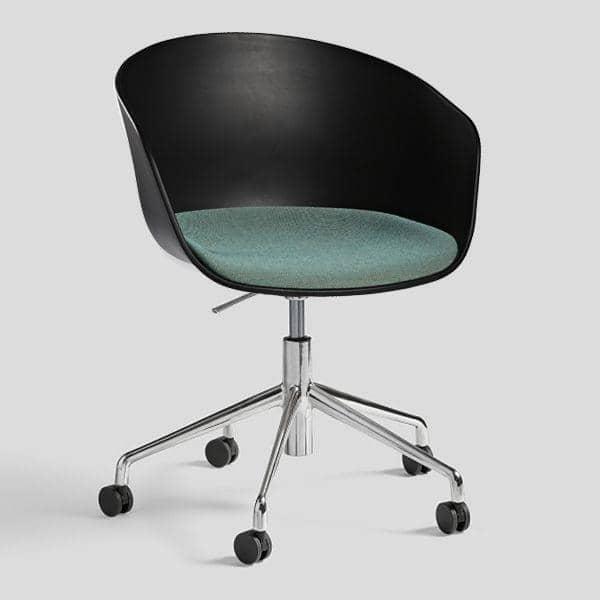 ABOUT A CHAIR -. ref AAC52 - Sedile imbottito o scocca in polipropilene, gambe in alluminio con ruote e con sistema di sollevamento a gas - HEE WELLING, HAY