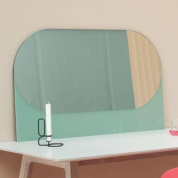 SHAPES : espejos funcionales, espejo y madera lacada, por HAY.