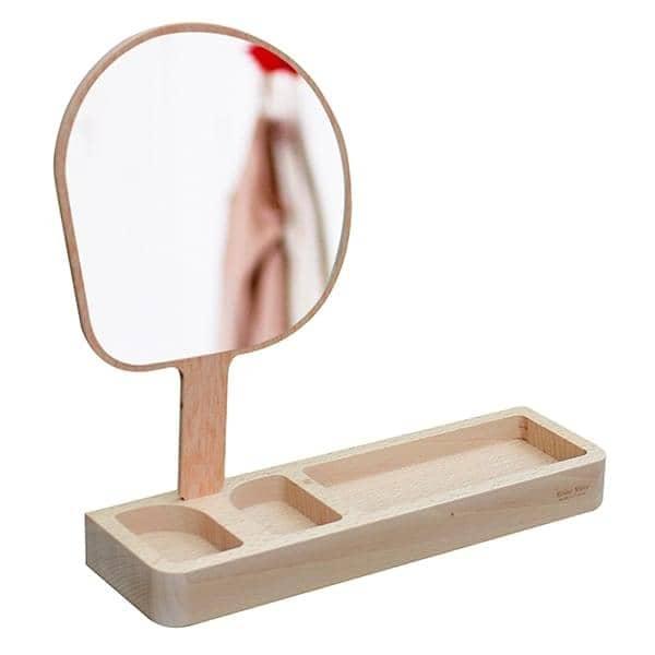 Kagami, miroir sur pied, hêtre massif et verre, design éco-responsable