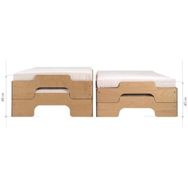Lit STACK en bois, empilable. Grand confort, ligne pure et moderne.