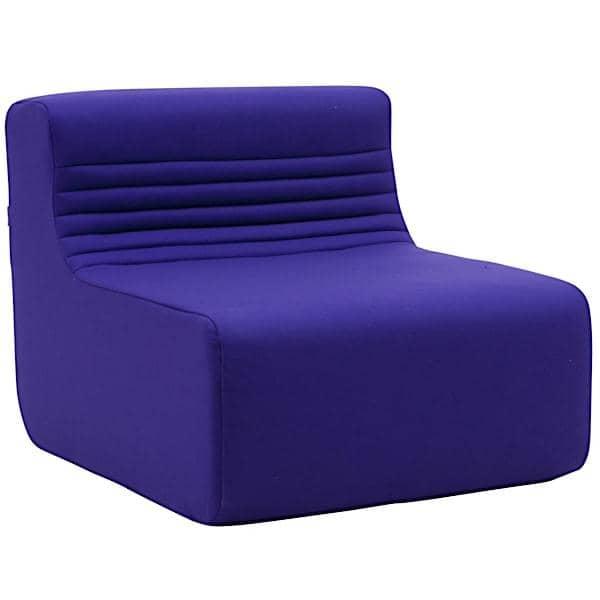LOFT, un divano modulare per il tuo salotto o la tua terrazza: sposta i moduli principali, l'angolo o il pouf e crea dozzine di combinazioni.