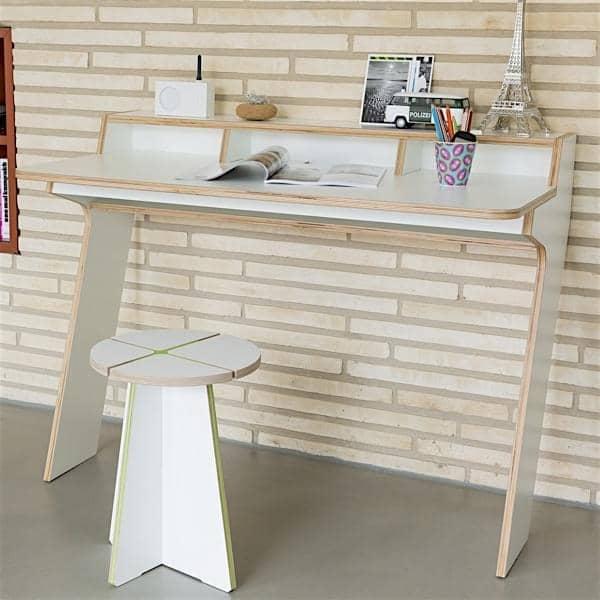 slope consola de escritorio contra la pared madera mltiplex leonhard pfeifer