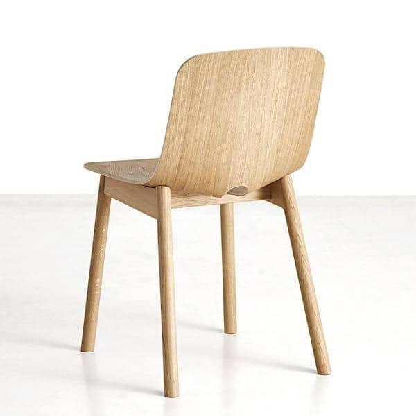 La sedia in legno MONO, WOUD
