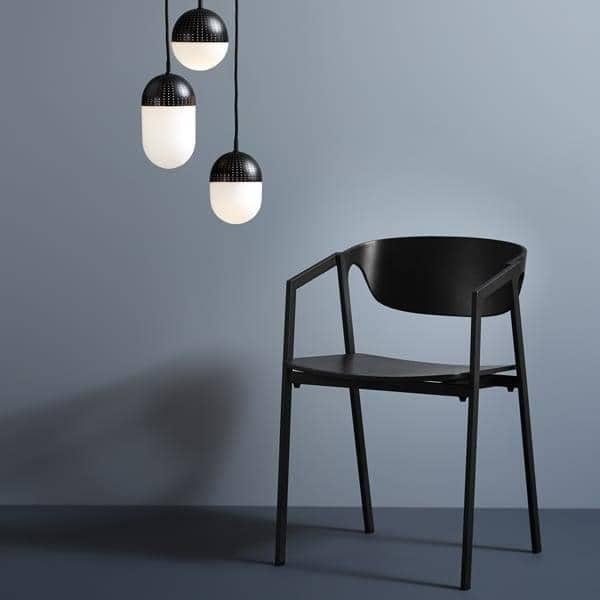 chaise empilable s a c en bois et m tal woud. Black Bedroom Furniture Sets. Home Design Ideas