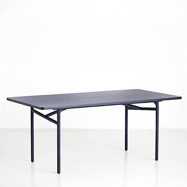 DIAGONALE, una mesa de comedor de madera y metal, un diseño muy  contemporáneo y atemporal. WOUD