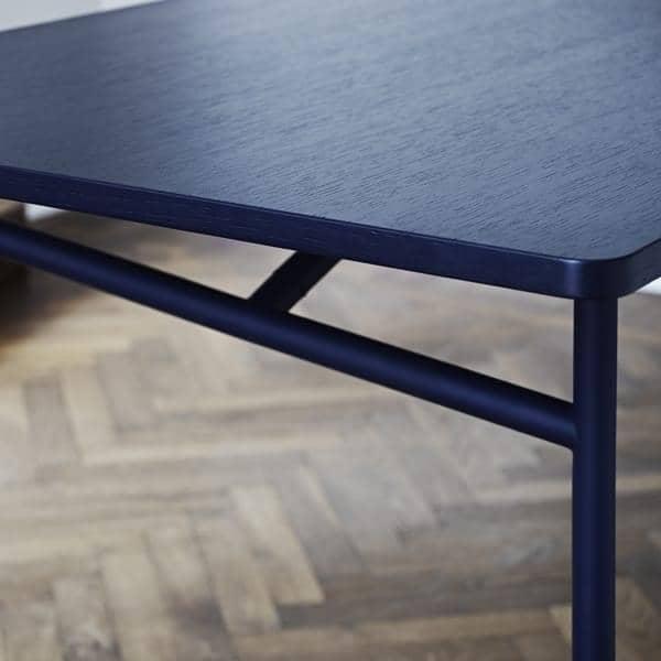 DIAGONALE, une table bois et métal, au design très contemporain et intemporel