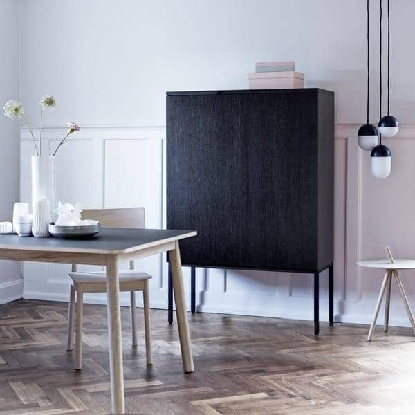 BARN : a scandinavian furniture, in wood, the effective simplicity