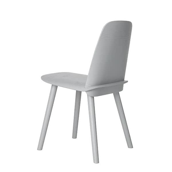 La chaise NERD, où le dossier et l'assise s'assemblent de manière invisible. Muuto