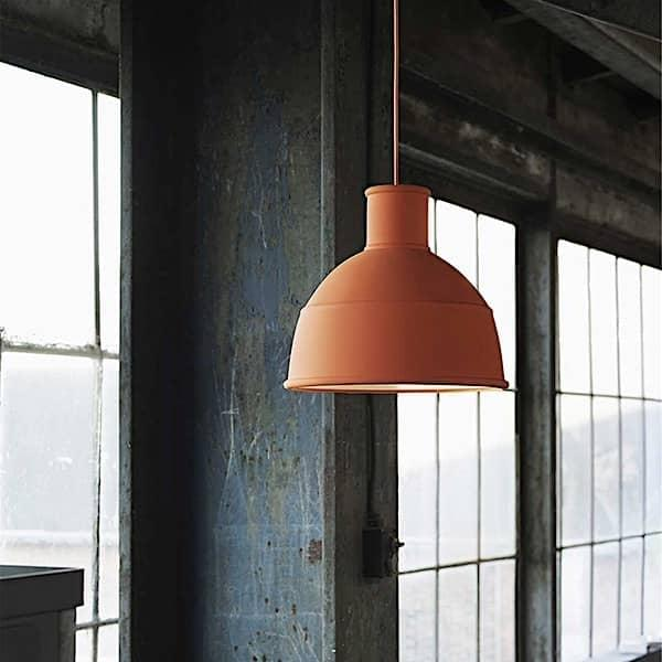 Suspension UNFOLD en caoutchouc silicone souple. Muuto