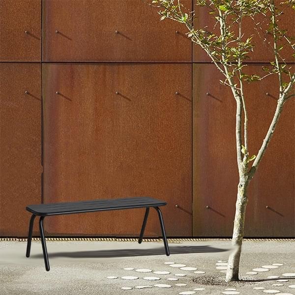 RAY הספסל בחוץ, עיצוב ועמיד, על ידי WOUD