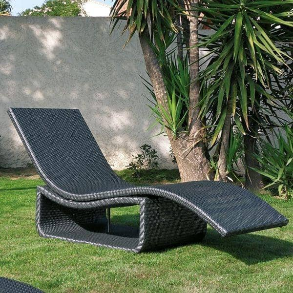 wave liegestuhl f r garten oder terrasse h misph re. Black Bedroom Furniture Sets. Home Design Ideas