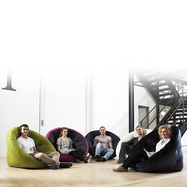 NEST, Tumbona el día, Futón en la noche: NEST es acogedor, práctico y muy cómoda - deco y el diseño