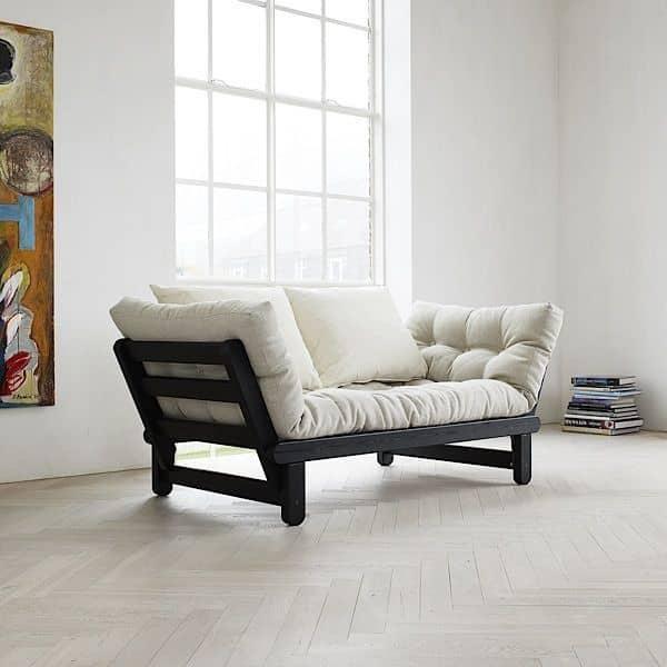 BEAT è un divano letto a due posti che può essere trasformato in letto o chaise longue, entrambi ...