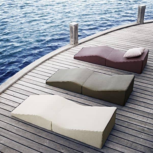 La Chaise Longue SHAPE, graphique, très confortable - dans votre salon ou en terrasse, elle s'adapte à toutes les situations
