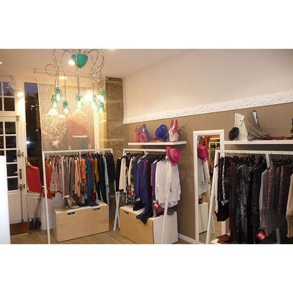 pack portant pour v tements loop et 20 cintres larges en. Black Bedroom Furniture Sets. Home Design Ideas