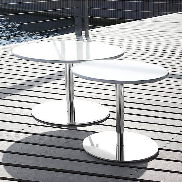Table basse ou table d'appoint HELLO : pratique et sobre