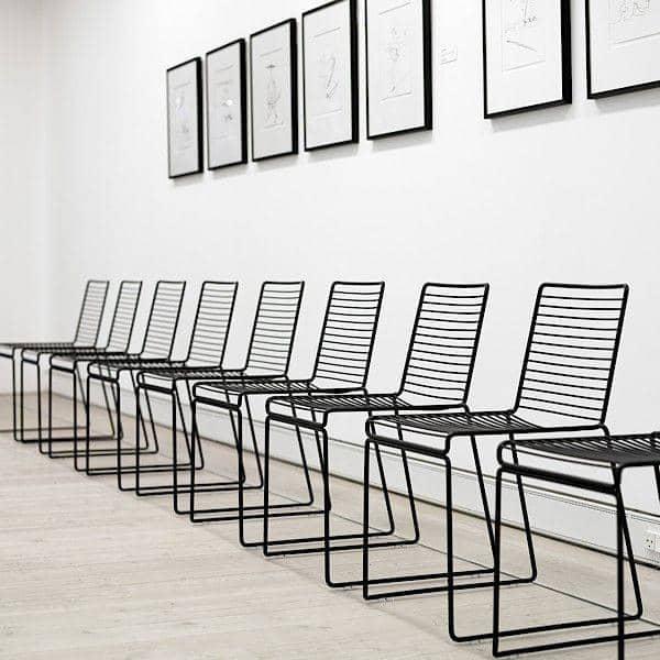 HEE Chair da HAY è leggero, impilabile e resistente - una bella scelta di colori