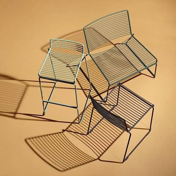 La chaise Lounge HEE par HAY, le confort dans ses grandes largeurs