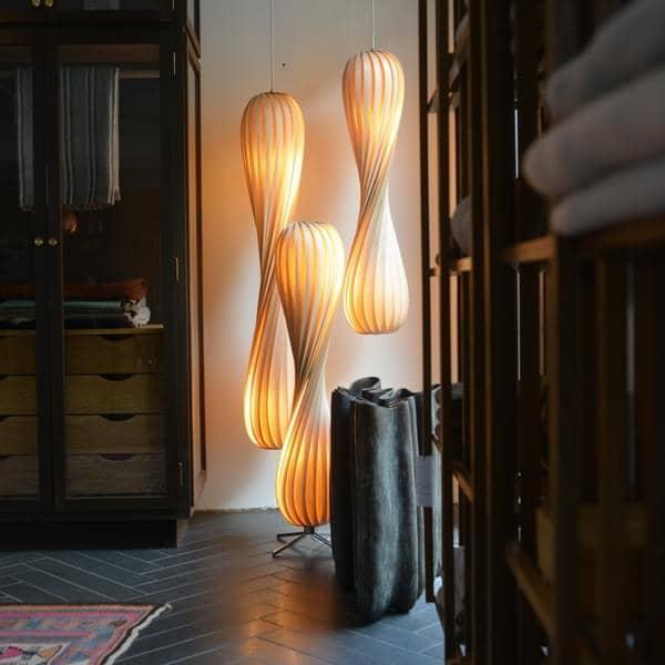 TOM ROSSAU - TR 7 Colgante o Lámpara de pie: la madera o el PP y el diseño en su mejor combinación - deco y el diseño