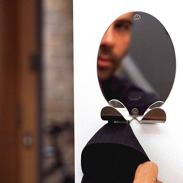 La patère BOO est aussi un miroir - déco et design - VERSION: Inox qualité miroir