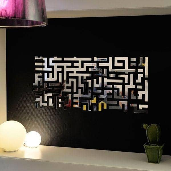 miroir d coratif lost parts comme un labyrinthe robba. Black Bedroom Furniture Sets. Home Design Ideas